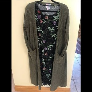 Two piece LuLaRoe Outfit. Medium Sarah/XL Julia